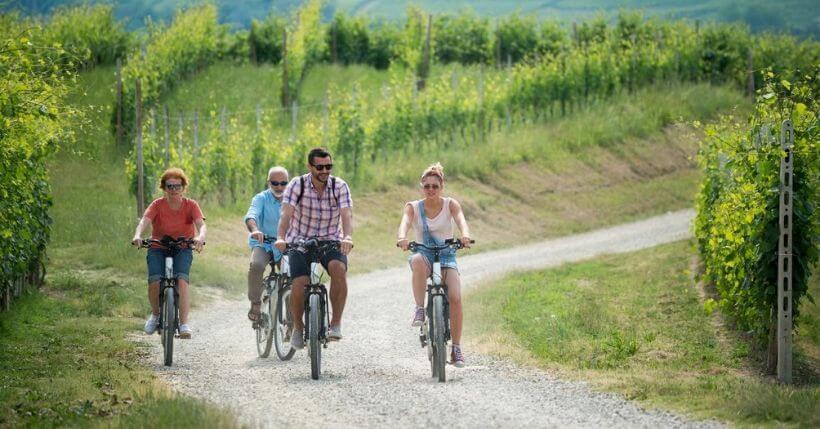 Escursioni in bici elettrica: 7 idee per viaggiare green in Italia