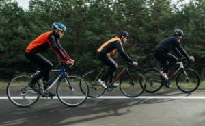 Come scegliere un casco per la bici? Ecco tipologie e prezzi